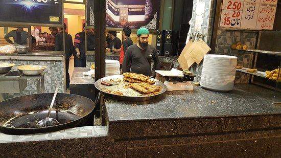 Bashir Dar ul Mahi, Mozang - Best Restaurants in Lahore