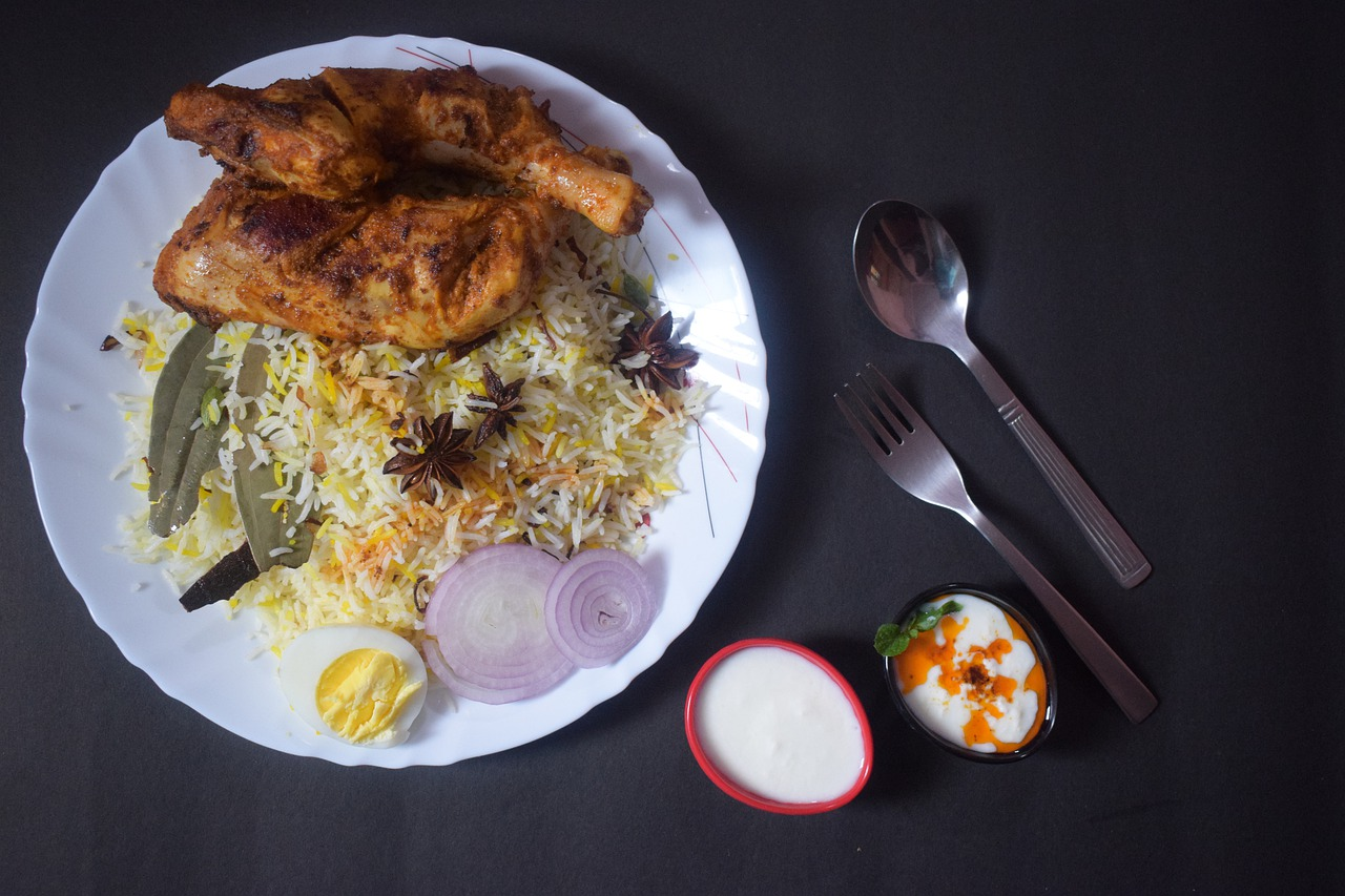 54+ Street Food Spots in Lahore That You Must Give A Try!